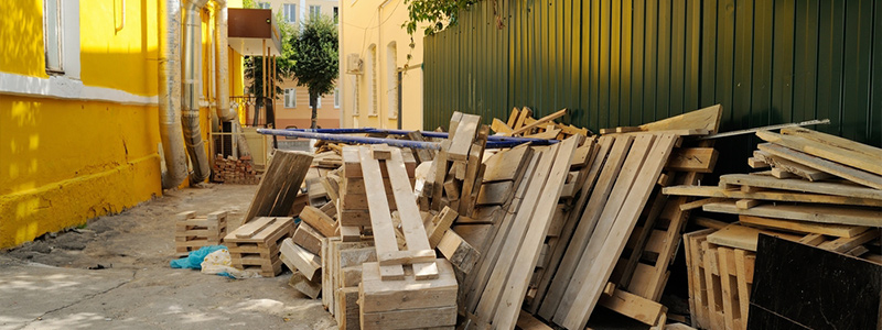 timber to go in a skip